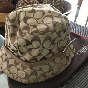 AUTHENTIC COACH LOGO HAT